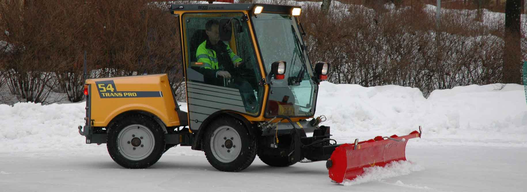 picture of a snow ploughing vehicle