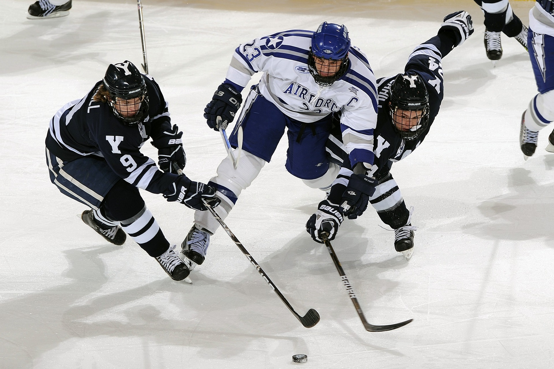 picture of men playing ice hockey